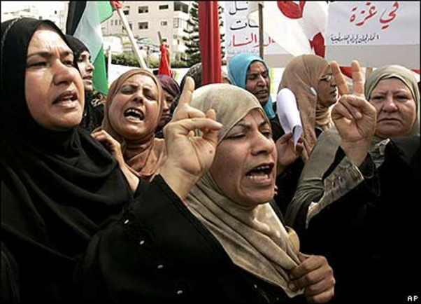 Women's rights 'deteriorating' in Gaza; gays, Christians also suffer